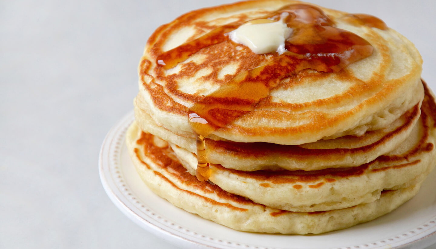 On what better to make pancakes, on yogurt, on water or on milk
